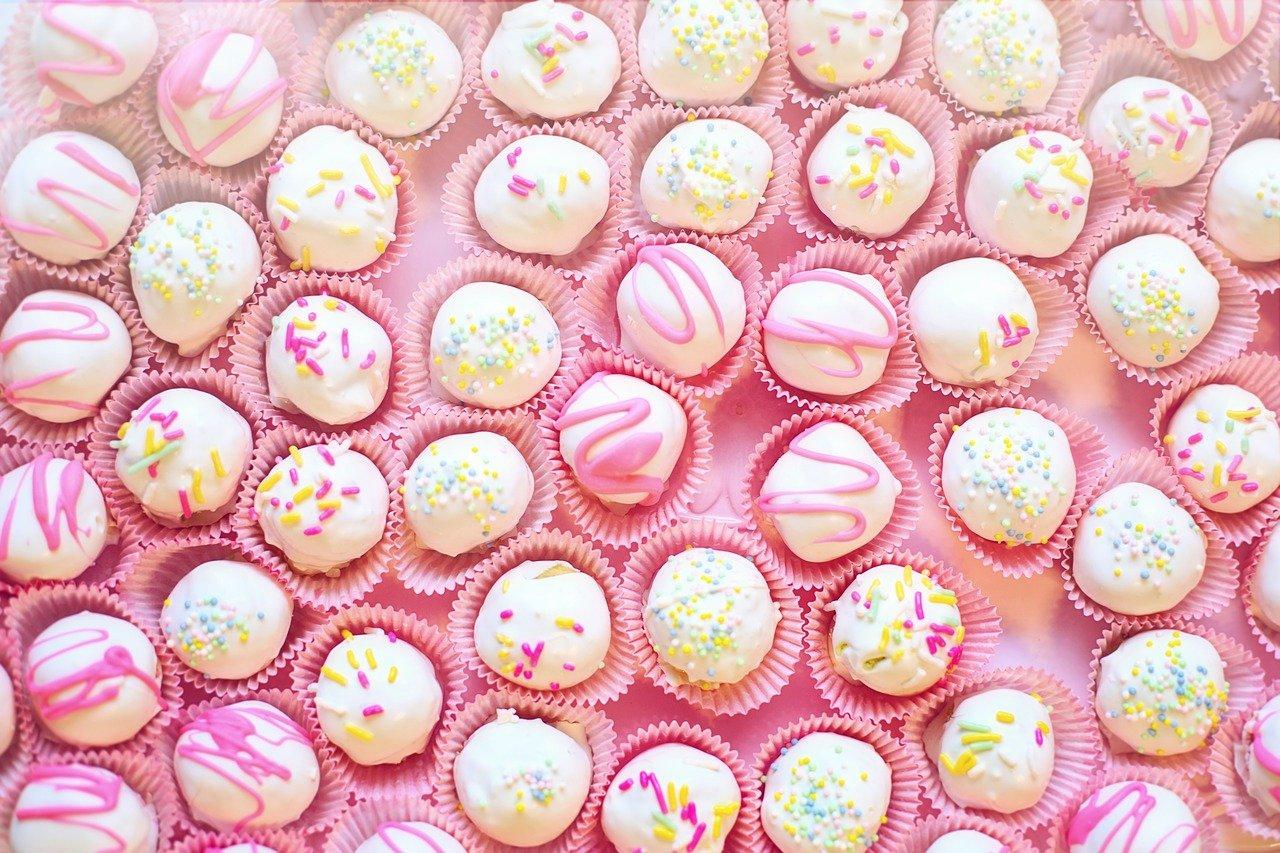 cake balls, dessert, sweets